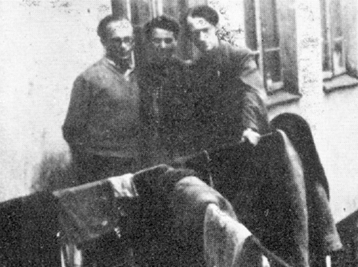 Shmerke Kaczerginski, left, in the Vilna ghetto with Rakhele Pupko-Krinski and Avrom Sutzfever.
