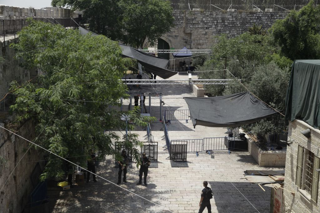 Further clashes over East Jerusalem holy site