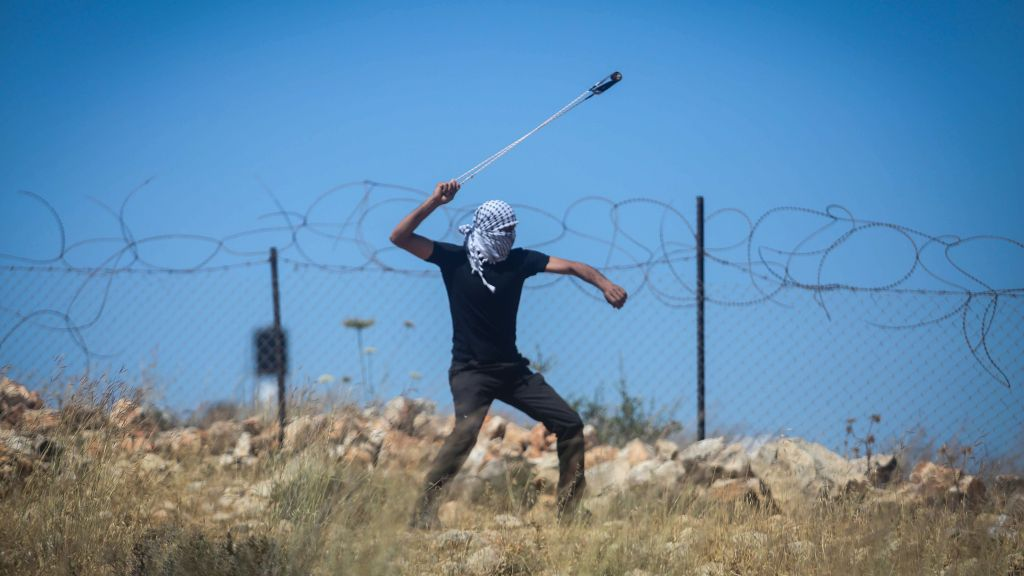 Jew Detector: Palestinians Rioting Near Site Of Attempted Stabbing