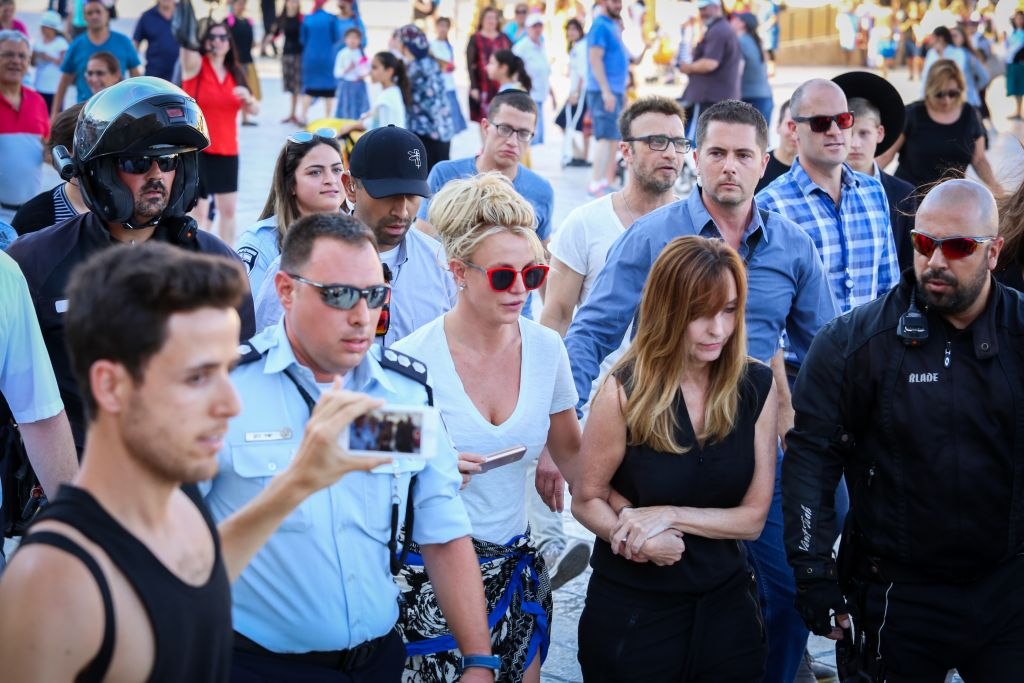 Britney Spears mobbed at Western Wall ahead of Tel Aviv concert
