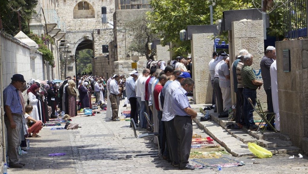Israeli man stabbed by Palestinian assailant in central Israel city