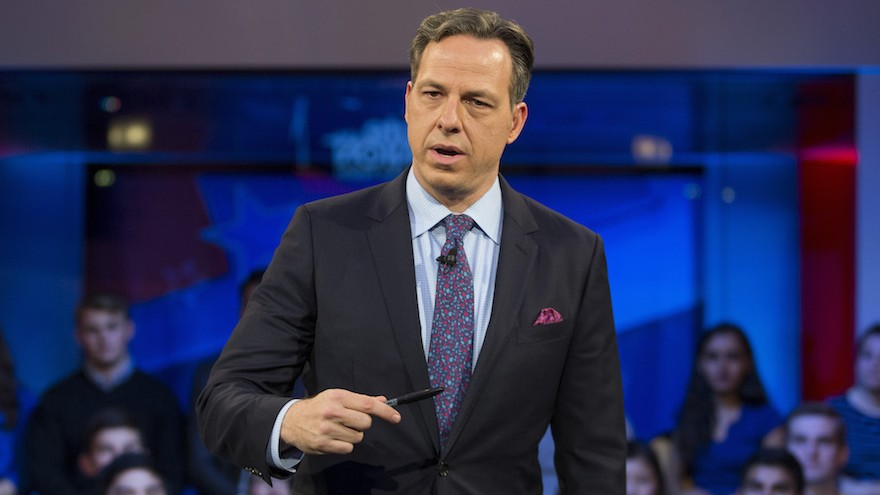 Linda Sarsour accuses Jake Tapper of being 'alt-right' in Twitter