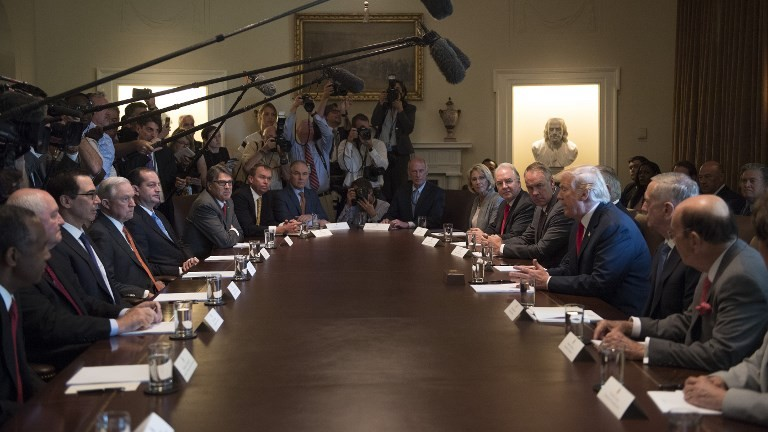 US President Donald Trump (3rd R) speaks during a cabinet meeting at the White House on July 31, 2017. (AFP Photo/Jim Watson)