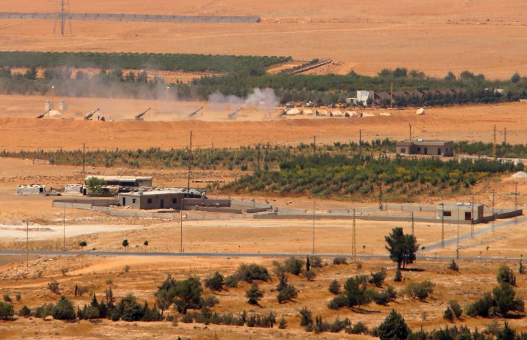Lebanese army, Hezbollah attack ISIS enclave
