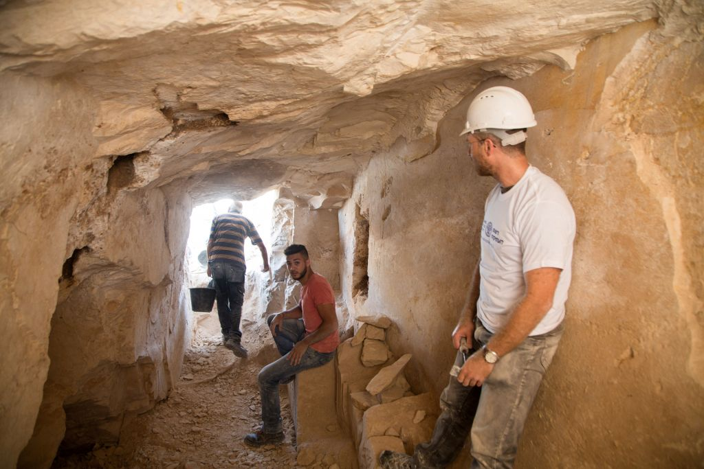 Archaeological excavations inside the ancient workshop at Reina in Lower Galilee. (Samuel Magal/IAA)