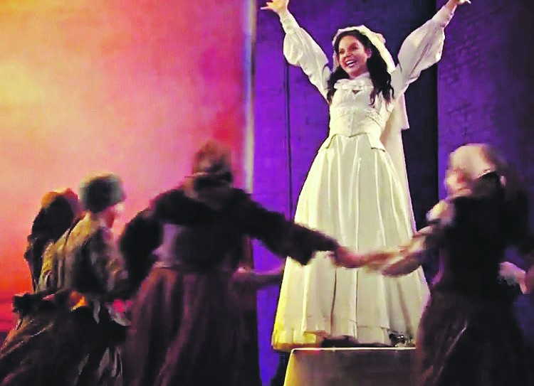 Alexandra Silber as Hodel in Fiddler On The Roof