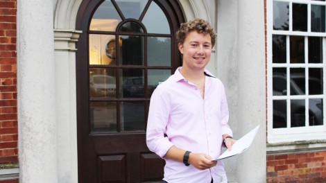 Zak Wagman  celebrating his results