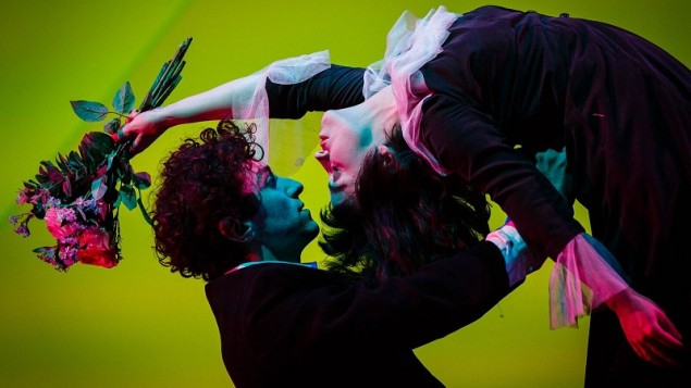 Kneehigh The Flying Lovers of Vitebsk image Steve Tanner