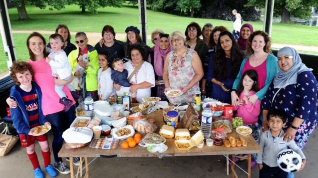 Jewish and Muslim women came together for a delicious picnic,  as they forge new friendships   (photo credit: Yorkshire Evening Post)