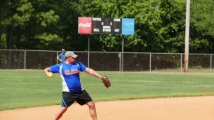 SP-Softball Beth Tikvah throw