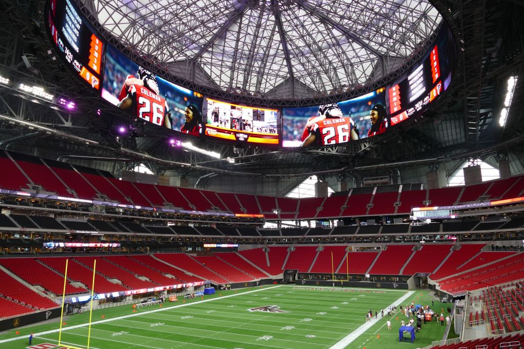 Photos mercedes benz stadium ready for football atlanta for Mercedes benz stadium calendar