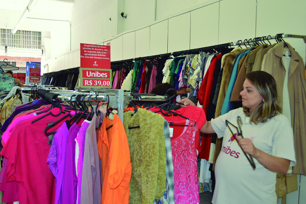 A used clothing flea market at the Unibes nonprofit in Sao Paulo, Brazil. (Courtesy)