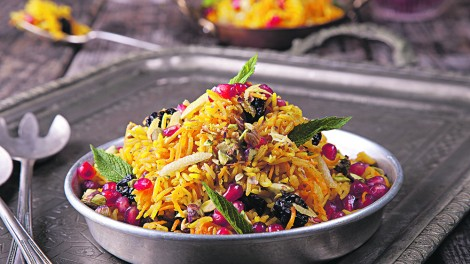Syrian carrot and raisin salad