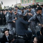 Ultra Orthodox Jewish men are being arrested by Israeli police as they block a road during a protest in Jerusalem, Israel, 19 October 2017.     Photo by: JINIPIX