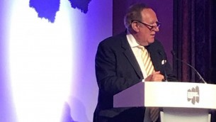 Andrew Neil speaking at the Holocaust Educational Trust's dinner