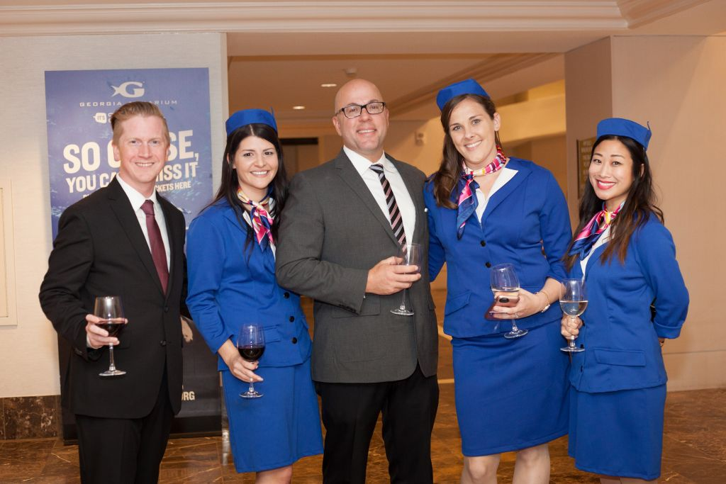American Hotel Staff Members Dress In 1960s Inspired Garb To Celebrate The Retro Renovation Oct 26