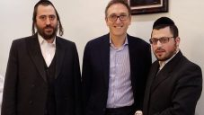 Jonathan Goldstein meeting with members of the Stamford Hill Jewish community