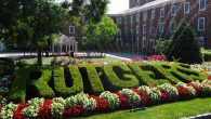 Rutgers_spelled_out_in_hedge_on_College_Ave_campus_New_Brunswick_NJ