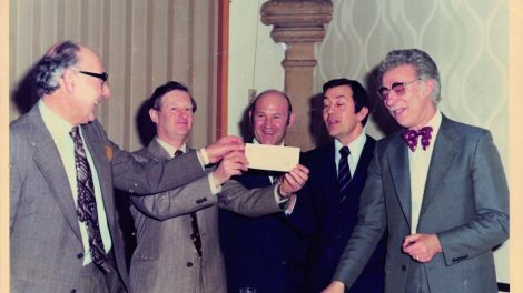 Bet Tikvah founding fathers ( from right) Joe Swinburne, Larry Peters, Barry Lautman and Harold Miller receiving a cheque from Liberal Judaism Chair Clive Winston to buy the building