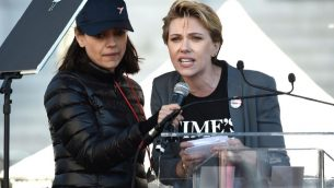 Scarlett-Johansson-at-WOmens-march-2018-resize