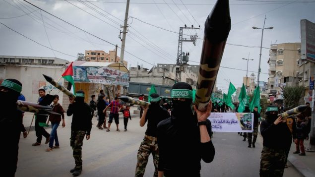 Masked members from the Ezzedine al-Qassam