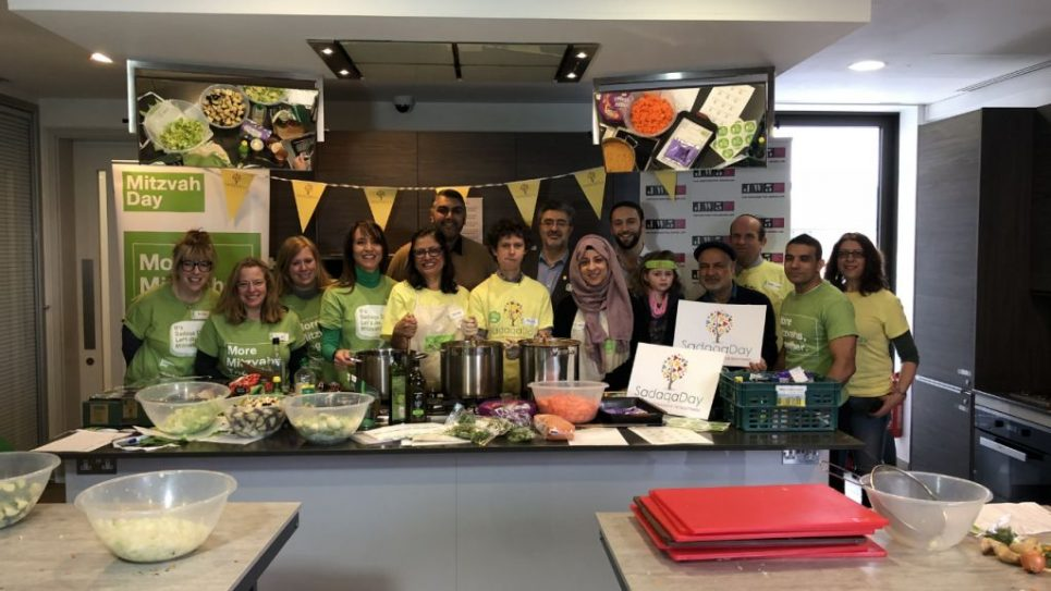 JW3 Cooking Session 1 with Muslim Aid, Alyth Synagogue and the new Shia Centre for Islamic Enlightening cooking for Sha'arei Tsedek's shelter
