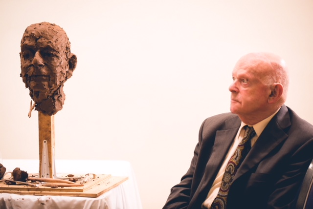 Frances Segelman sculpting Ben Helfgott  Credit: Yad Vashem UK