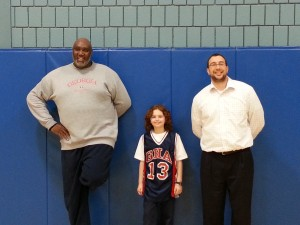 Israeli-American basketball player LaVon Mercer with GHA student Hannah Solon and teacher Rabbi Sam Strauss. PHOTO / GHA