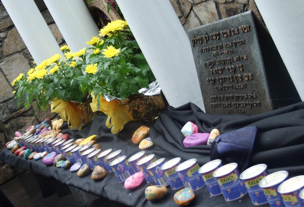 NEWS-Memorial Stones