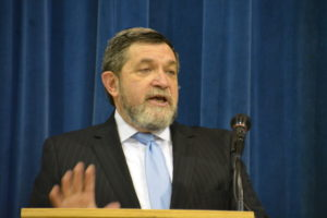 Rabbi Elimelech Gottlieb endorses the idea that the keys to student success are practice, supportive parents and devoted teachers.