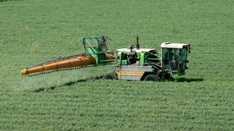 Irrigating a field in the Sharon Plain (photo credit: Moshe Shai/Flash90)