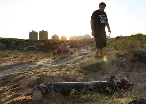 Spring among the rockets (photo credit: Tsafrir Abayov/Flash90)