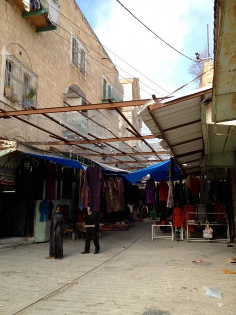 The tradional market, Israeli housing above
