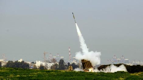 Iron Dome near Ashdod intercepting rockets from the Gaza Strip