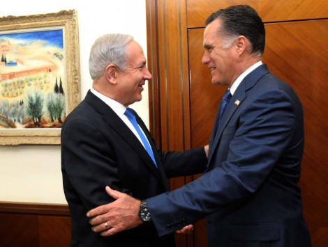Prime Minister Benjamin Netanyahu welcomes Mitt Romney at his Jerusalem office, July, 2012 (photo credit: Avi Ohayon/GPO/Flash90)