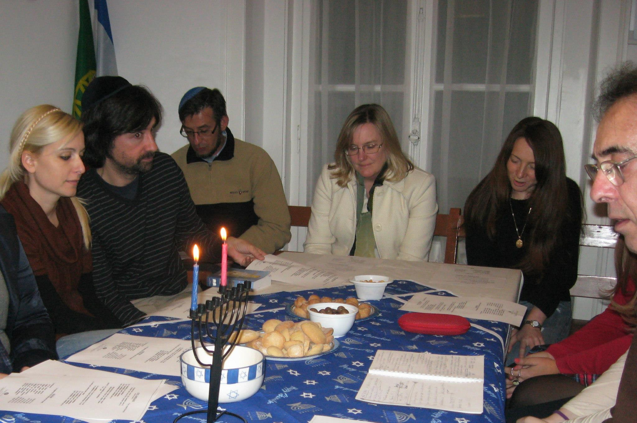 A Hanukkah learning session and celebration in Lisbon