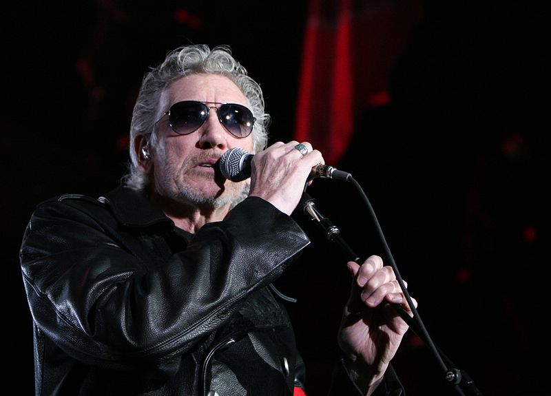 Roger Waters performs in Barcelona in 2011 (photo credit: Wikipedia Commons/Alterna2)