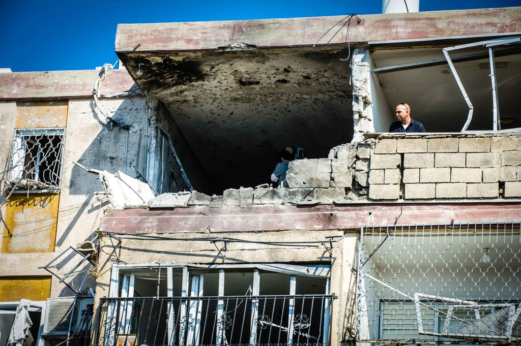 Damage from a rocket attack on Kiryat Malachi, November 15, 2012, in which two men and a woman were killed and an 8-month-old baby critically injured (photo: David Katz)