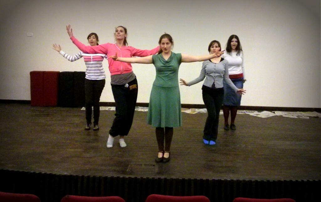 Noga Yechieli and other cast members during rehearsal.