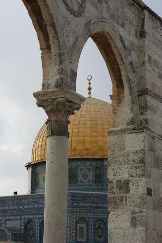 A stunning shot of the Dome of the Rock. Photo by Chris Humphreys.