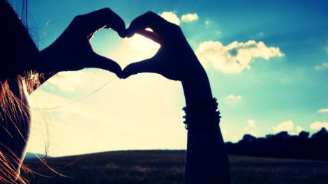 hand-love-sign-hd-widescreen-wallpaper