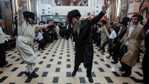Two Grand Rabbis demonstrate Krav Maga (Haaretz | Parody)