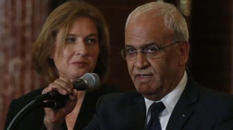 Livni and Erekat (photo credit: AP/Charles Dharapak)