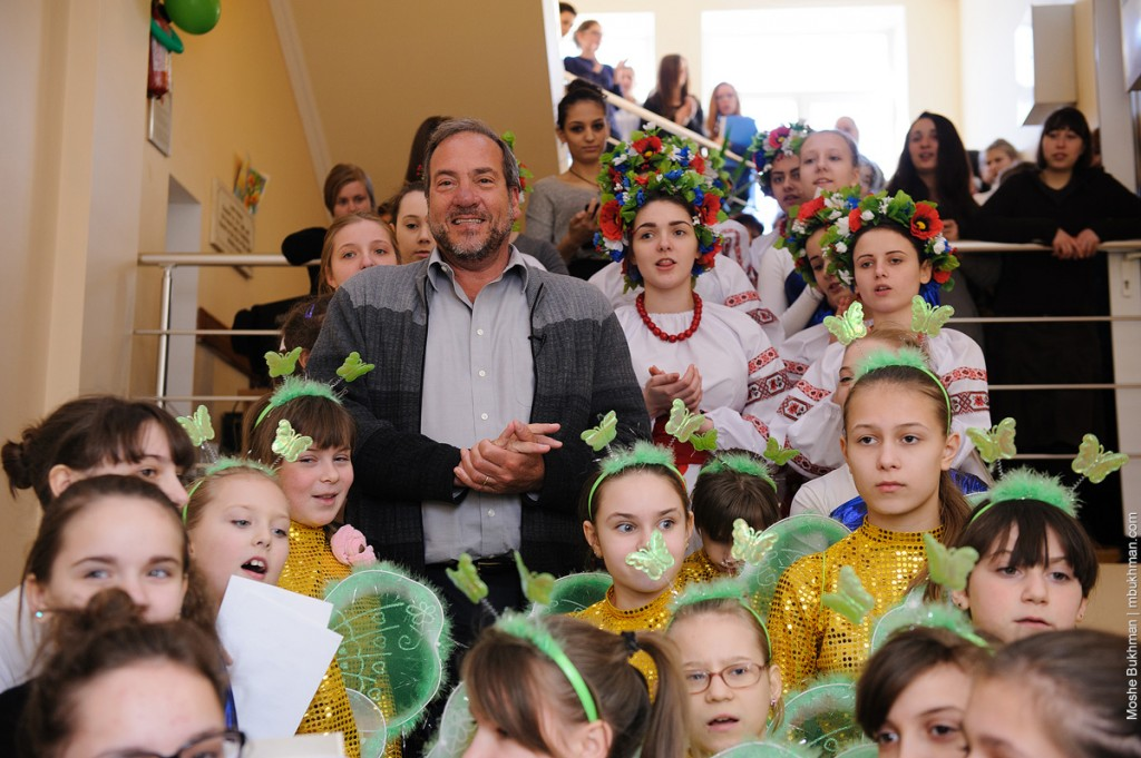 Rabbi Yechiel Eckstein, President of the IFCJ, visiting Tikva children's homes in Odessa (Photo courtesy of Tikva)