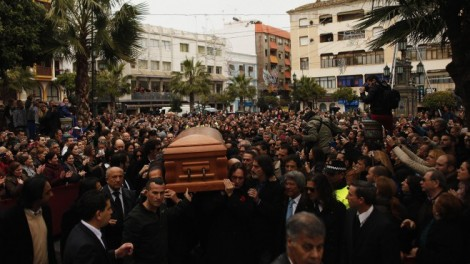 Thousands in Spain accompany Paco to the cemetery