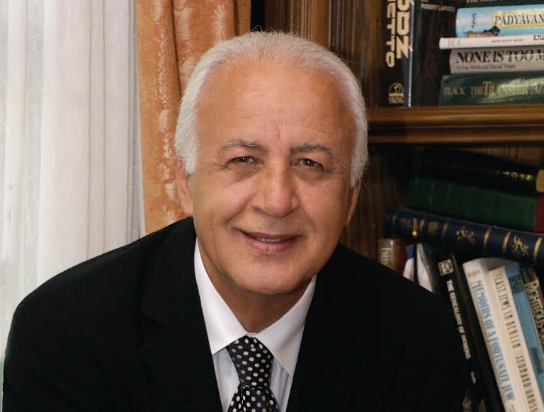 Dr. Ari Babaknia