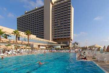TLVHITW_Hilton_Tel_Aviv_spa_spapool_tour