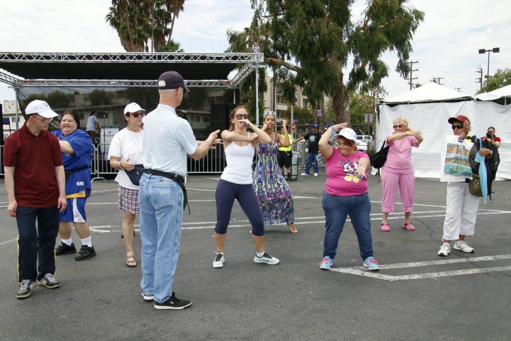 Israeli folk dance lesson