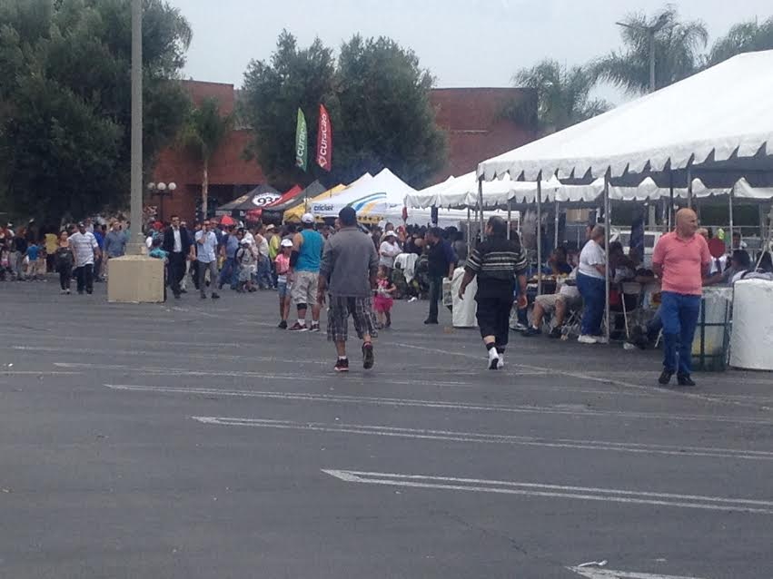 The Fiesta Shalom yard at Panorama City Mall