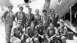 no-1-crew-4.7.76-640x476
